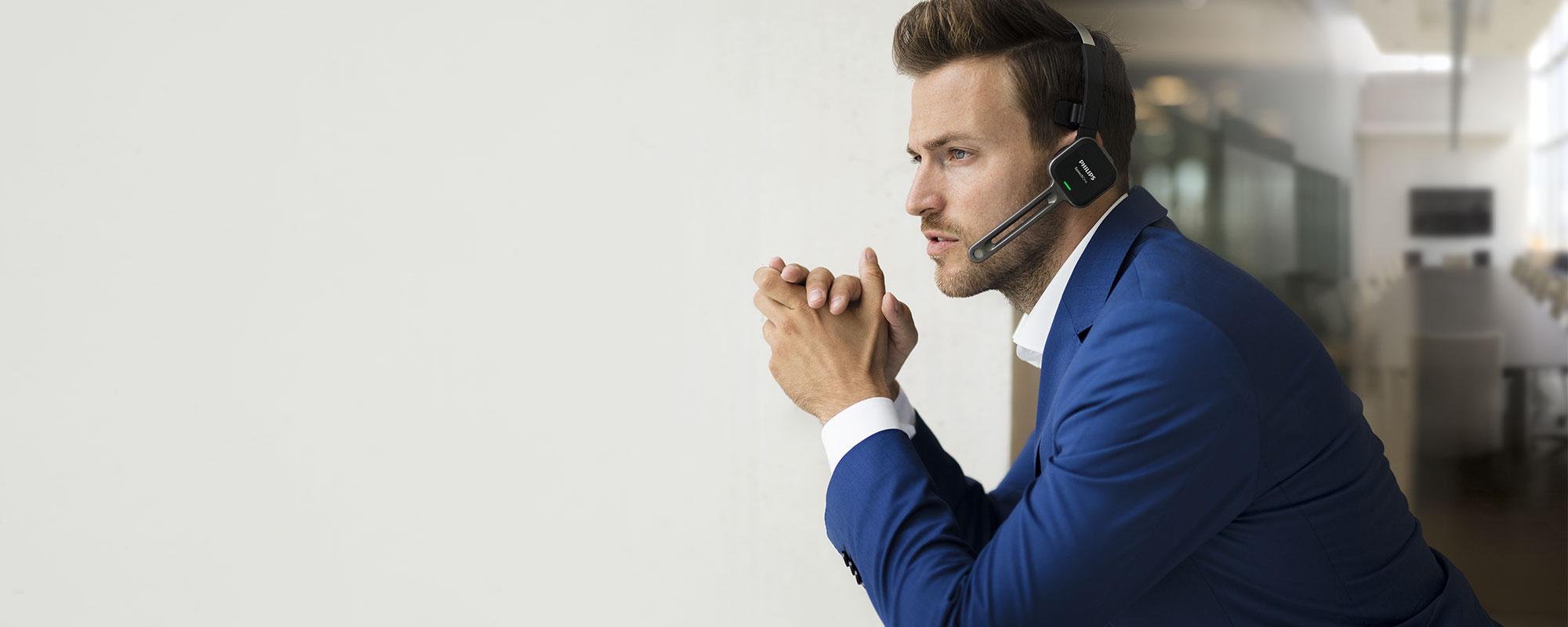 El micrófono profesional garantiza resultados y transcripciones de reconocimiento de voz precisos, incluso en entornos ruidosos.