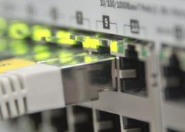 Instalación fibra óptica y sistemas de redes de Internet